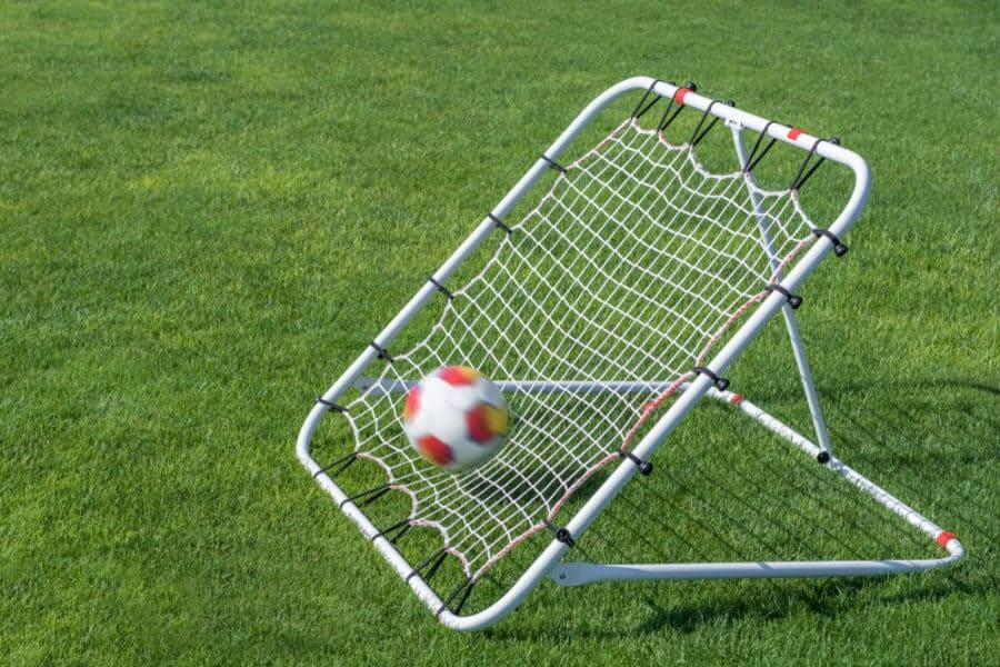 Best Soccer Rebounders (2020): Reviews and Complete Buying Guide